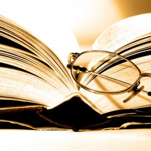 مقایسه و بررسی آثار شاعران زن با شاعران مرد از لحاظ فکر و محتوا